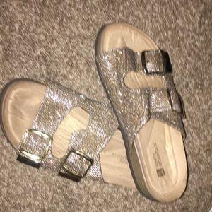 White Mountain Shoes - Gold Jesus Sandels (Berkin stocks)